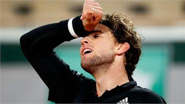 Thiem bị Schwartzman loại tại Roland Garros