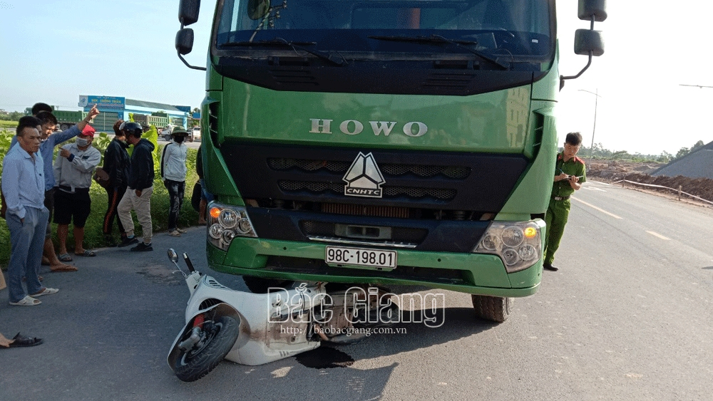Bắc Giang: Một phụ nữ 35 tuổi tử vong do tai nạn giao thông