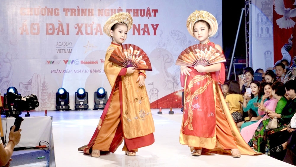 Ceremony, 1010th anniversary, Thang Long – Hanoi, King Ly Thai To flower garden, remarkable achievements