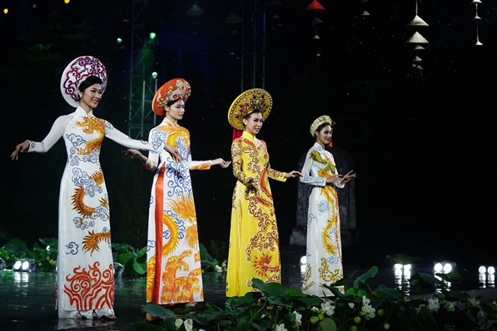 Ho Chi Minh City, Ao Dai Festival, traditional long dress, excellent collections, famous designers, traditional cultural values, domestic and international friends