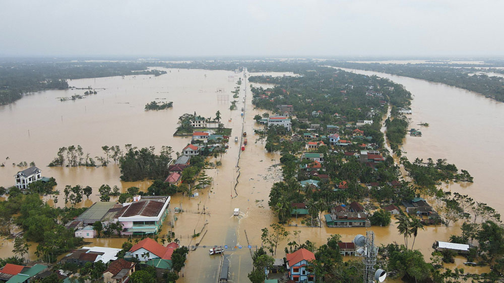 US, central Vietnam, cope with floods, Storm Linfa, Vietnam Red Cross Society, tropical storm, humanitarian needs, vulnerable communities