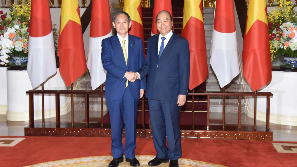 Japanese Prime Minister Suga Yoshihide pays official visit to Vietnam