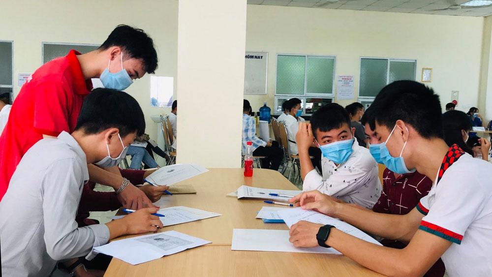 Trường Cao đẳng nghề Công nghệ Việt - Hàn hoàn thành sớm chỉ tiêu tuyển sinh
