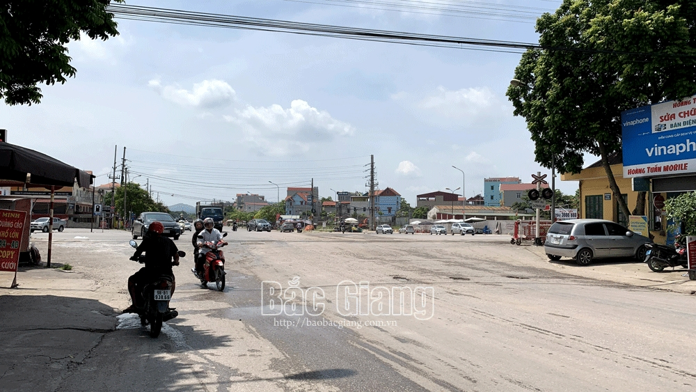 Bắc Giang: Va chạm giữa ngã tư, người điều khiển xe máy tử vong