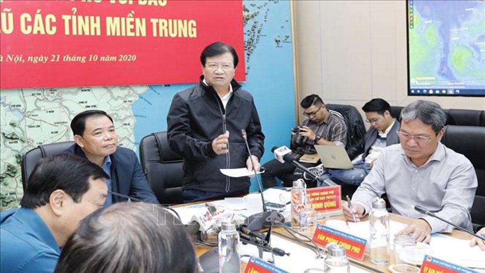 Phó Thủ tướng Trịnh Đình Dũng: Chủ động phương án ứng phó với bão số 8 và tập trung cứu trợ đồng bào miền Trung