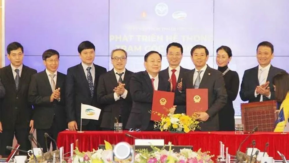 Viettel and VinGroup, join forces, 5G broadcast station, Make in Vietnam, RU and Antenna, high-speed service