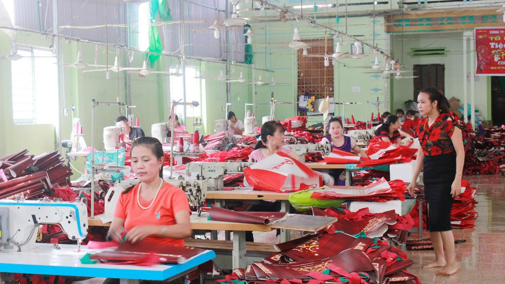 Supporting women, successful startups, Bac Giang province, women's startups, women's union, economic development, preferential loans, average income