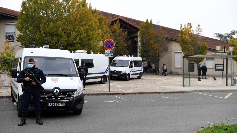 Pháp, điều tra sâu, kẻ sát hại, giáo viên dạy lịch sử