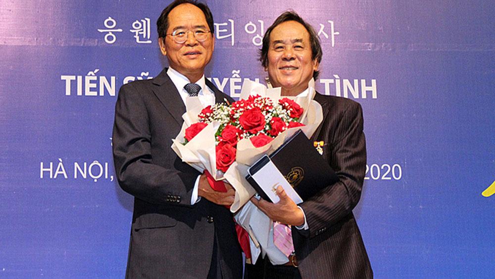First Vietnamese, South Korean Sejong award, UNESCO,  Literacy Prize, international cultural exchange, pandemic travel restrictions