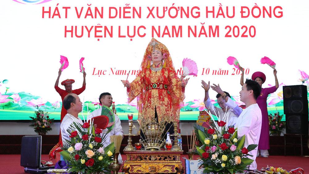 Lục Nam (Bắc Giang): Tổ chức liên hoan hát văn diễn xướng hầu đồng năm 2020