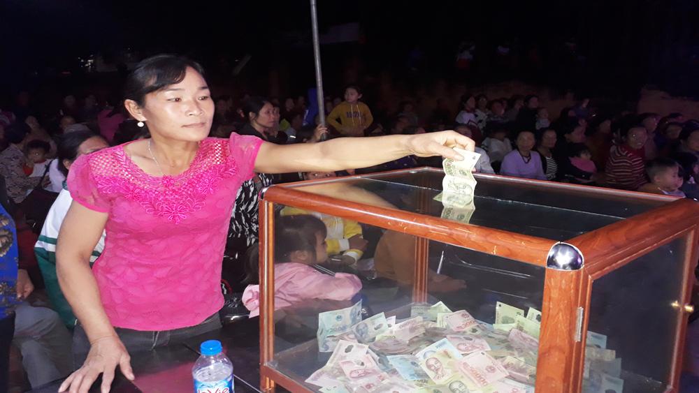 Gần 19 triệu đồng ủng hộ đồng bào miền Trung