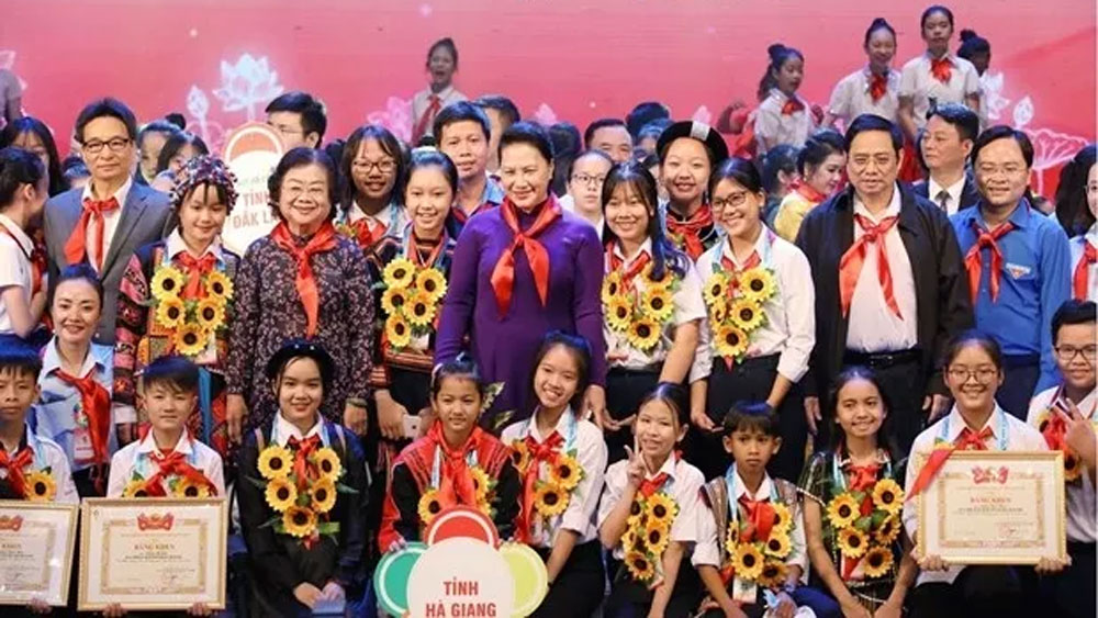 Outstanding children. Hanoi ceremony, remarkable achievements, most important activity, 9th National Congress, Uncle Ho's Good Children