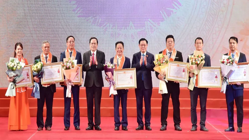 Hanoi, outstanding enterprises and entrepreneurs, newly-established enterprises, total registered capital, social security