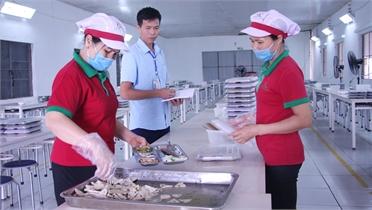 Chủ tịch Công đoàn Nguyễn Văn Nhì: Tận tâm vì người lao động