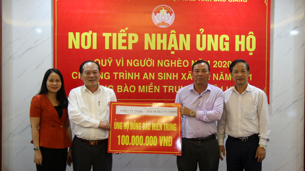 Bac Giang province, 5 billion VND, flood hit area, Central provinces, Fatherland Front's Committee, cash and kind