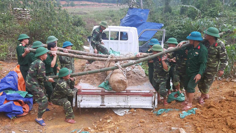 Central region floods, Vietnam War-era bomb, 450-kg wartime bomb, Ha Tinh Province, unexploded ordnance, heavy rains