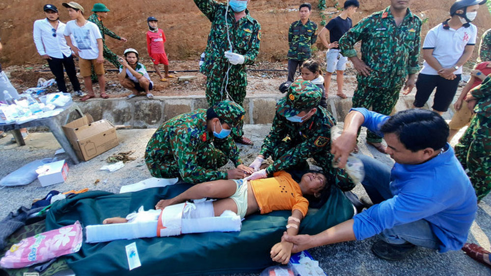 230 people, succumb to floods, landslides, central Vietnam, storms and heavy rains, Natural disasters, human casualties, Rescue efforts