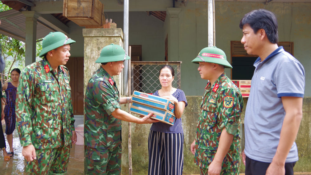 Humanitarian journey, the heart of soldiers, Bac Giang province, humanitarian carriages, Central region, historic flood, Army Corps No.2, meaningful and humane journey