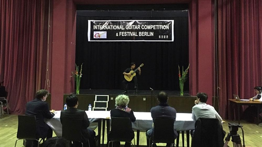Vietnamese contestant, special prize, international guitar competition, Suite Kieu, The Tale of Kieu, Vietnamese poet Nguyen Du, Dao Nhu Khanh