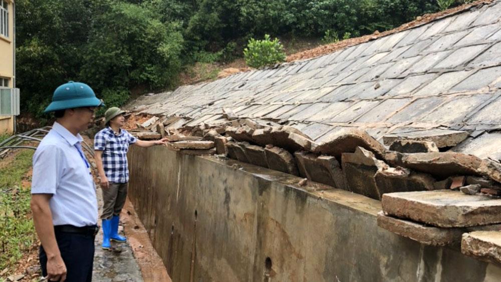 Sẽ di dời Trường Tiểu học Hòa Sơn đến khu đất mới để tránh sạt lở