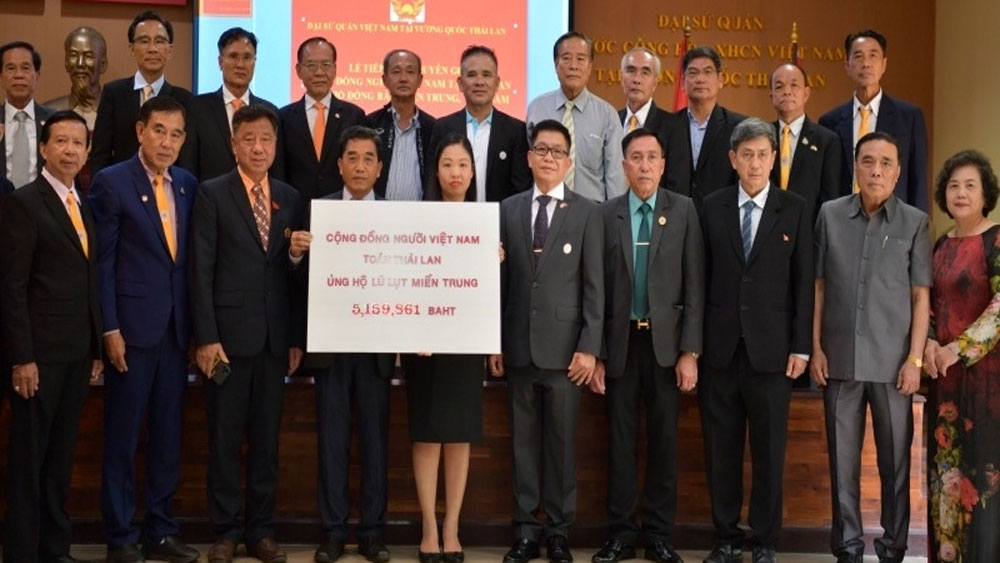 Overseas Vietnamese in Thailand and Germany support flood victims in central Vietnam