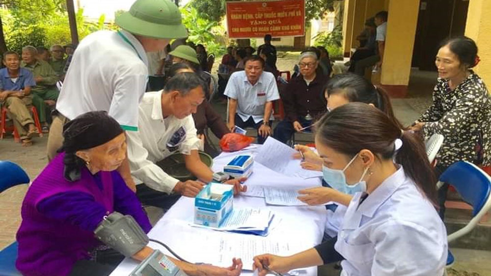 Bac Giang provides free health examination to the poor