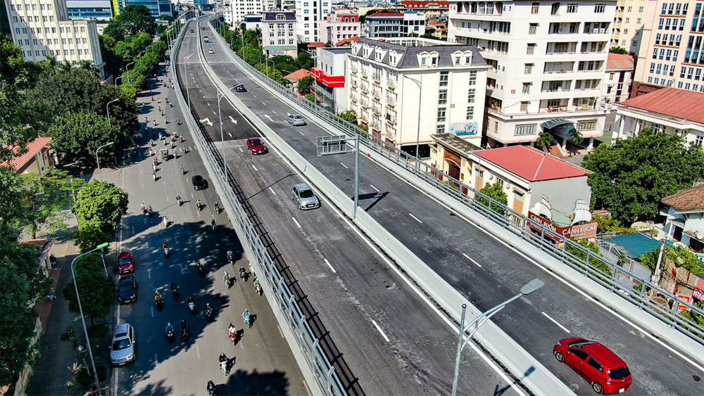 Hanoi, elevated belt road No.2, open to traffic, traffic pressure, surrounding roads, maximum speed,  build-transfer model, prolonged traffic congestion