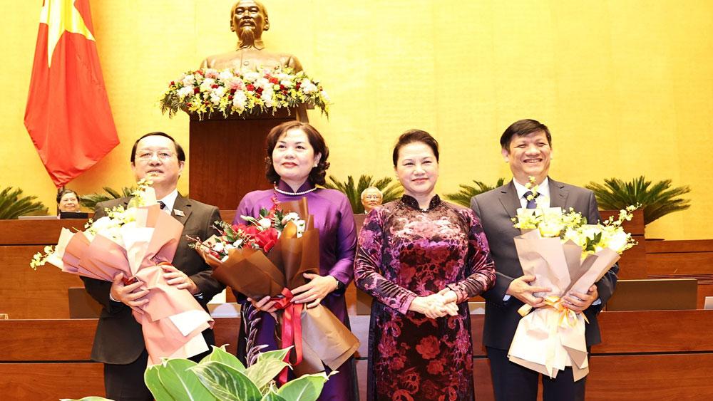 Quốc hội phê chuẩn bổ nhiệm 2 Bộ trưởng và Thống đốc Ngân hàng Nhà nước