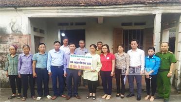 Gia đình chị Nguyễn Thị Sáu được giúp khoảng 90 triệu đồng