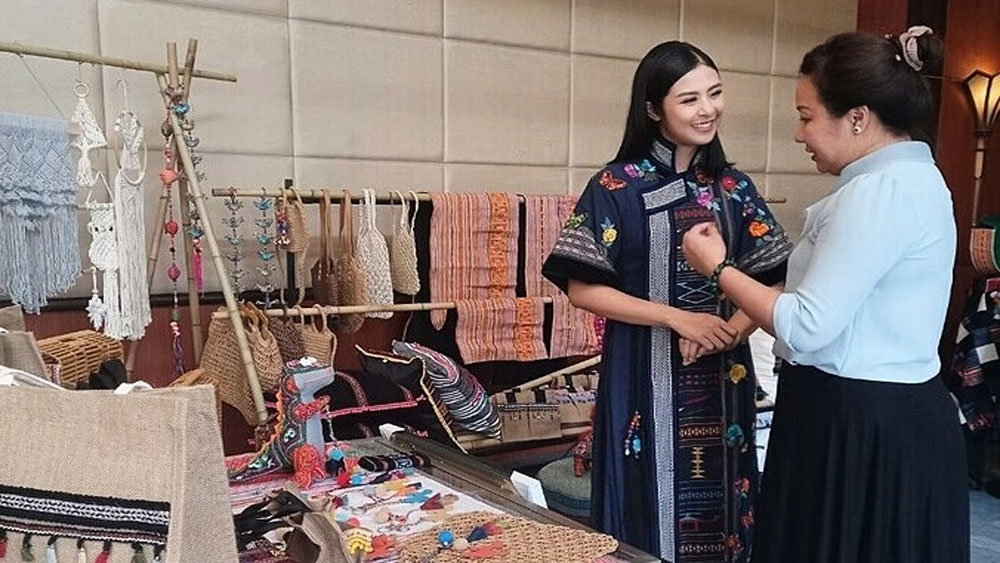 Brocade culture festival, enrich Central Highlands allure, domestic and foreign artists, tourist attractions, brocade textile production