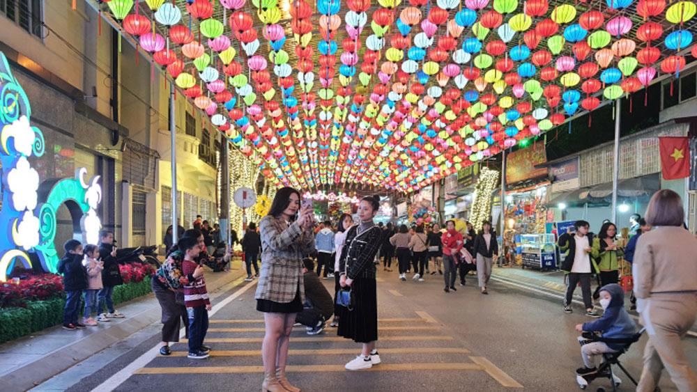 Lang Son Province, walking street, new tourist destination, Ky Lua pedestrian street, tourist magnet, modern art activities, Hanoi-Bac Giang Expressway