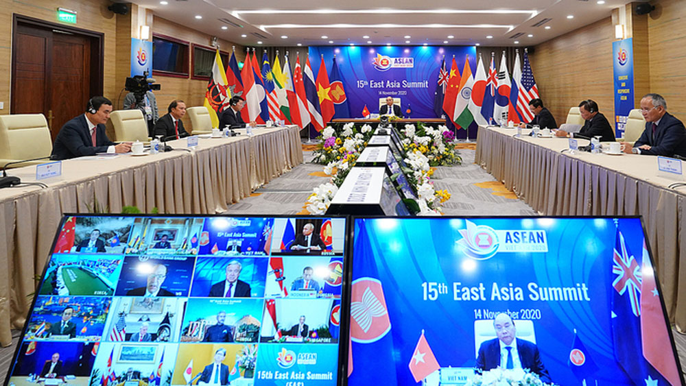 World leaders, laud efforts, Vietnam, ASEAN chair, Covid-19 fight, cohesive and responsive,  public health emergencies, complex environment