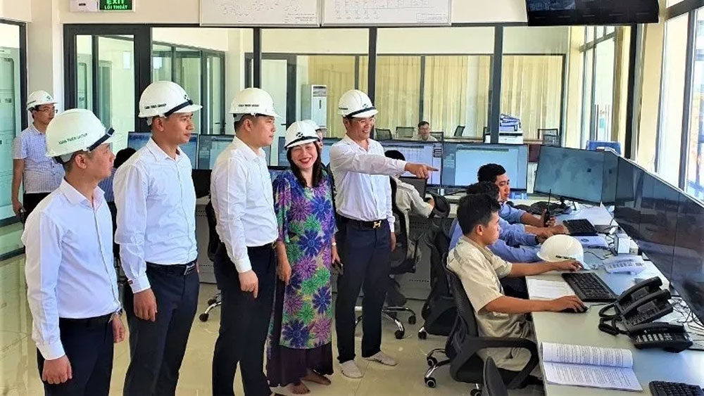 Southeast Asia's largest solar power plant connected to national grid