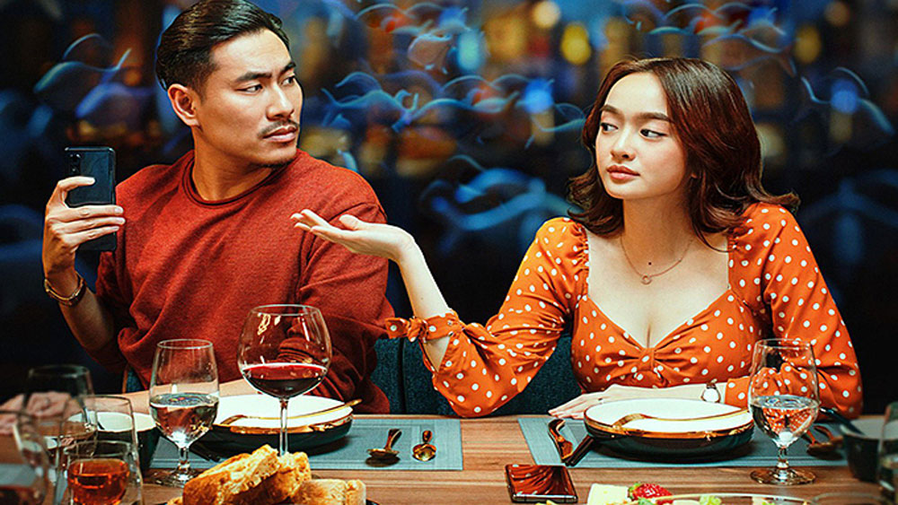 Blood Moon Party, Vietnam box office record, Tiec Trang Mau, first Vietnamese movie, Intimate Strangers, foreign blockbusters