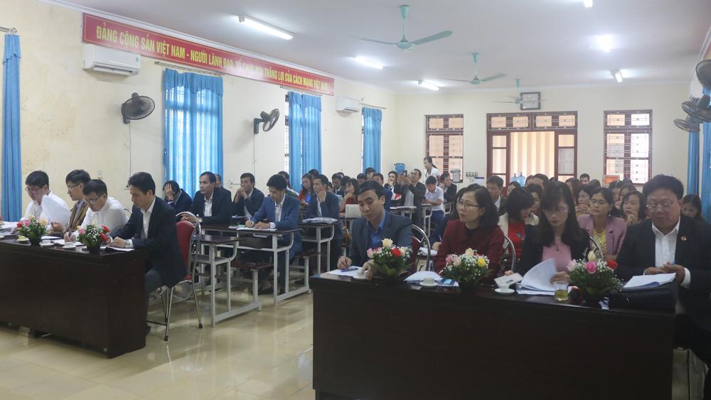 Lục Nam: Bồi dưỡng lý luận chính trị - hành chính cho cán bộ, công chức