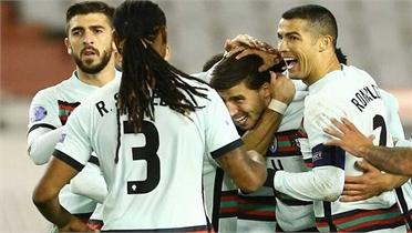 Bồ Đào Nha thắng ngược nhờ cú đúp của trung vệ
