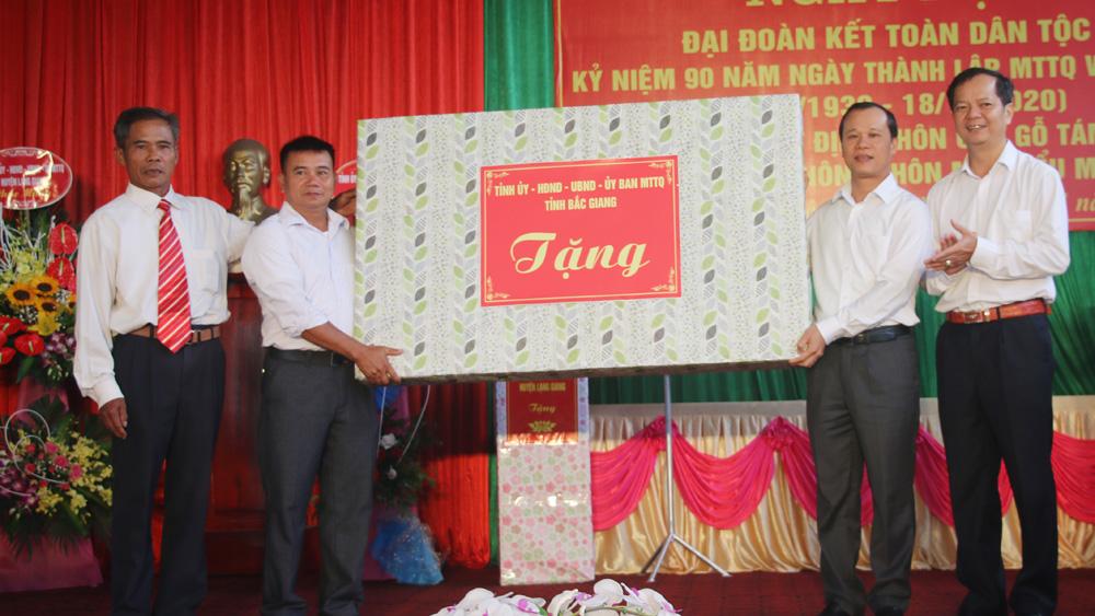 Bí thư Thành ủy Bắc Giang Mai Sơn dự Ngày hội Đại đoàn kết tại huyện Lạng Giang