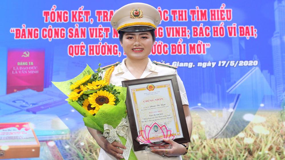 Trung tá Phạm Thị Ngát.