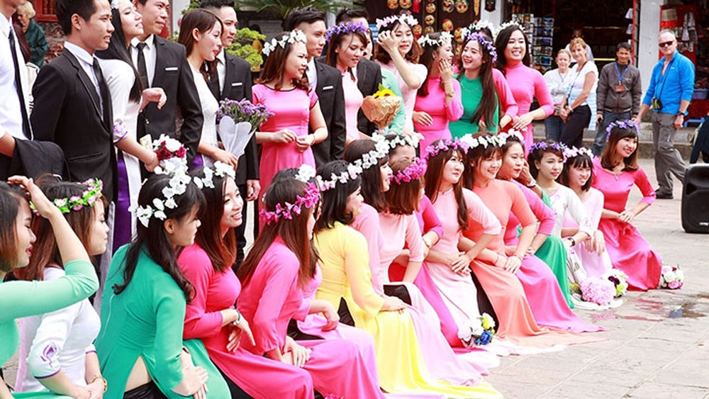 Ao Dai – symbolic costume of Vietnamese women