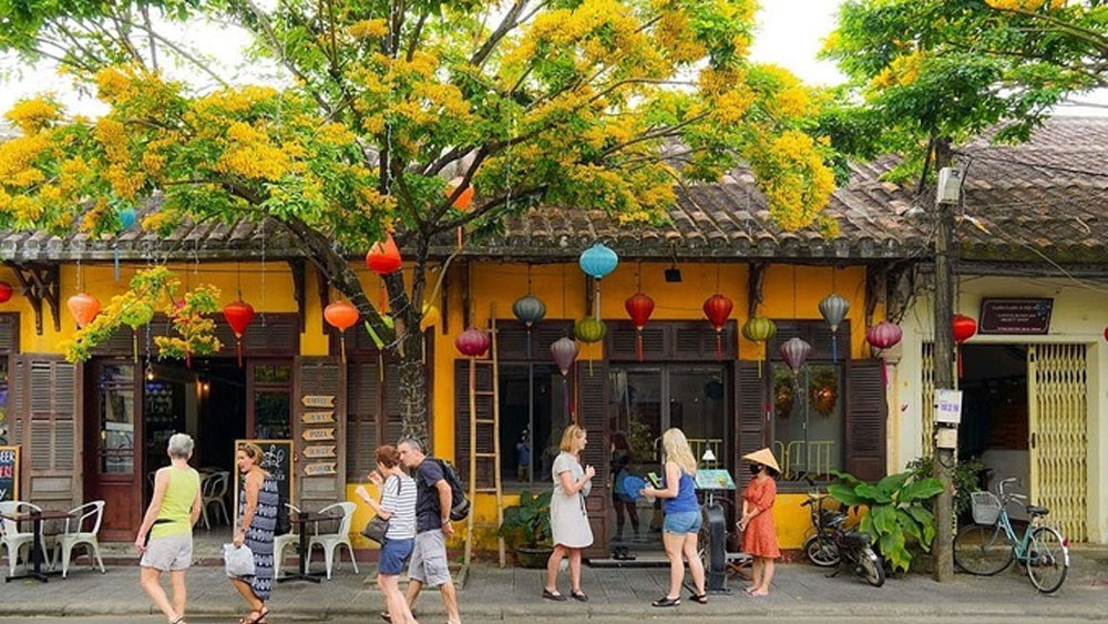​Hoi An reopens tourist attractions after deluge