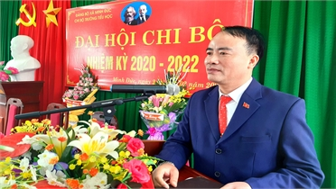 Thầy giáo Nguyễn Huy Chinh tâm huyết làm việc thiện