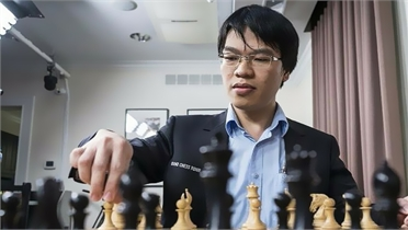 Quang Liêm đấu trí 15 cao thủ cờ vua thế giới