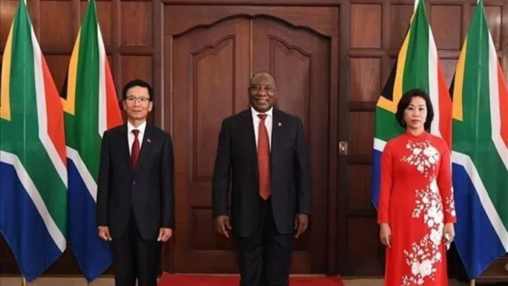 South African President, ties with Vietnam, newly-appointed Vietnamese Ambassador, increasingly important role, cooperation and development