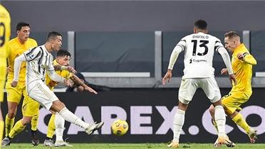 Ronaldo đưa Juventus lên nhì bảng Serie A