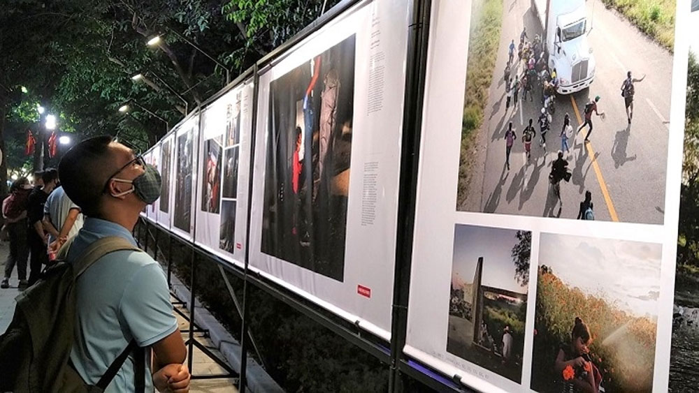 World Press Photo Exhibition 2020 opens in Hanoi