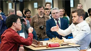 Quang Liêm lần đầu hòa Vua cờ Carlsen