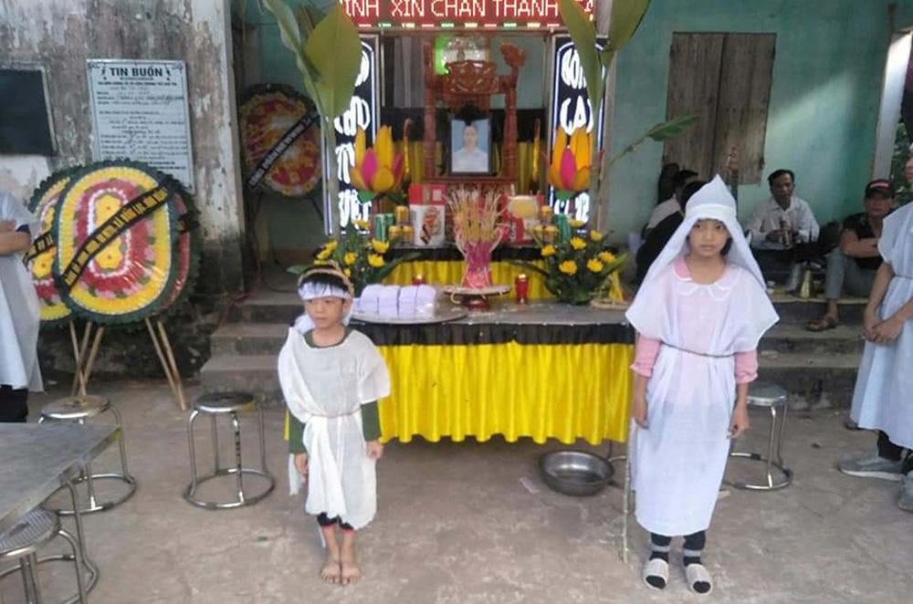 Hai trẻ mồ côi, sống với bà, ung thư, cần được giúp đỡ, xã Đồng Lạc, huyện Yên Thế, Bắc Giang