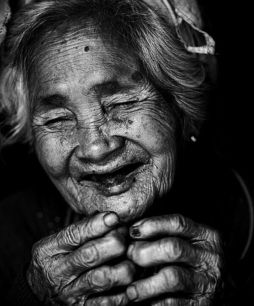 Four Vietnam photos, Agora, best of 2020, biggest photo contest, The Shadow, Smile of Mom, belief and joy