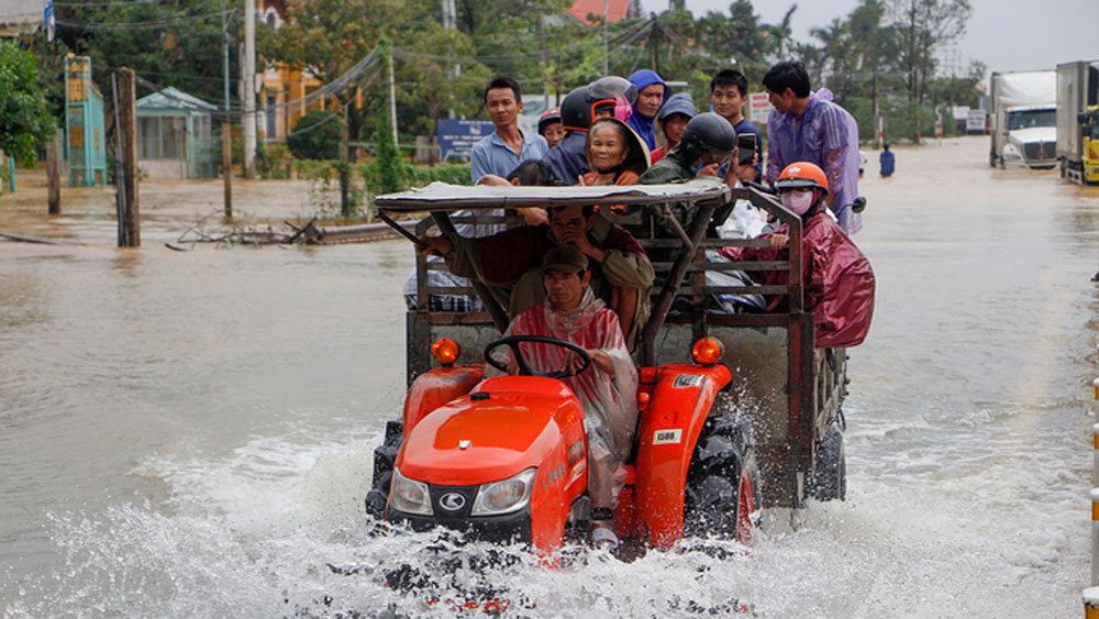 Vietnam, ADB, sign agreement, natural disaster relief aid, emergency grant, heavy rains and flooding, socio-economic recovery