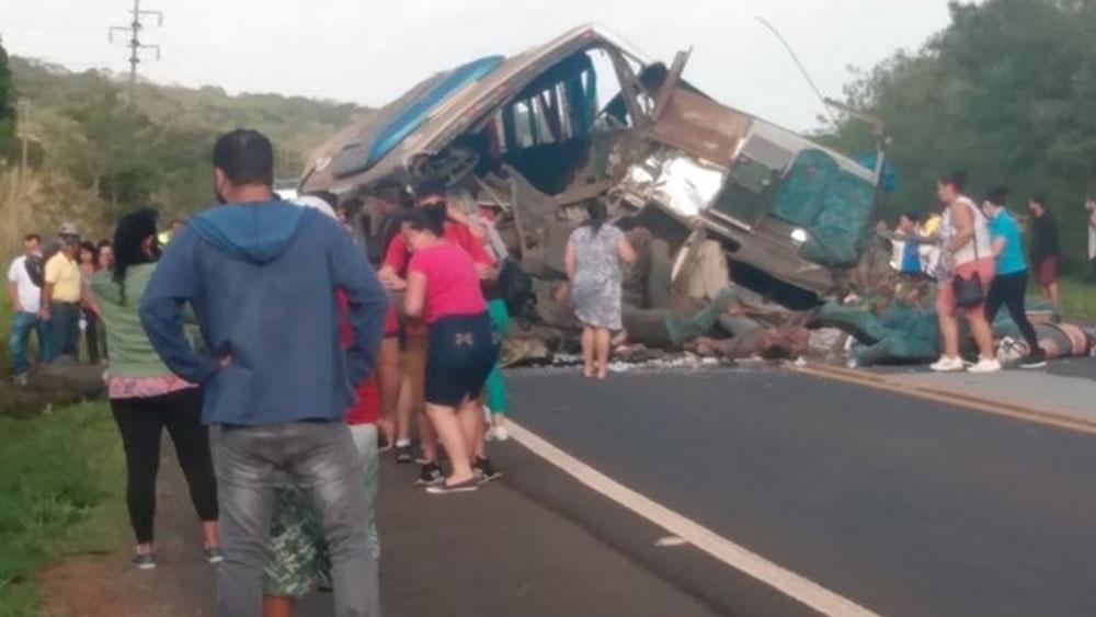 Tai nạn giao thông, nghiêm trọng, Brazil, ít nhất , 37 người, thiệt mạng